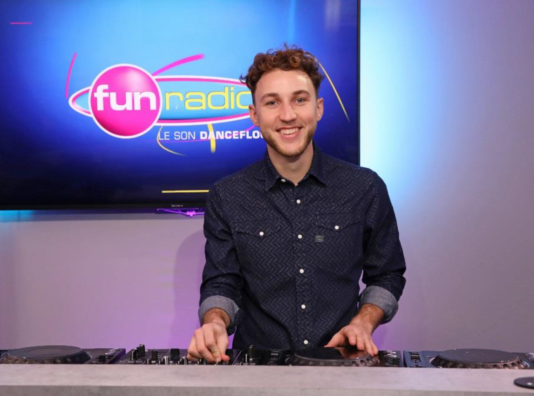 Le DJ Alex Wat rejoint l'équipe de Fun Radio © Frédéric Bukajlo / SIPA Press