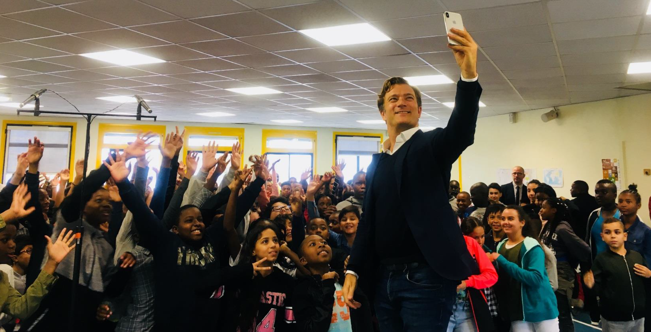 Renaud Capuçon et les enfants du collège Jean Vigo à Epinay-sur-Seine à la rentrée © Radio Classique