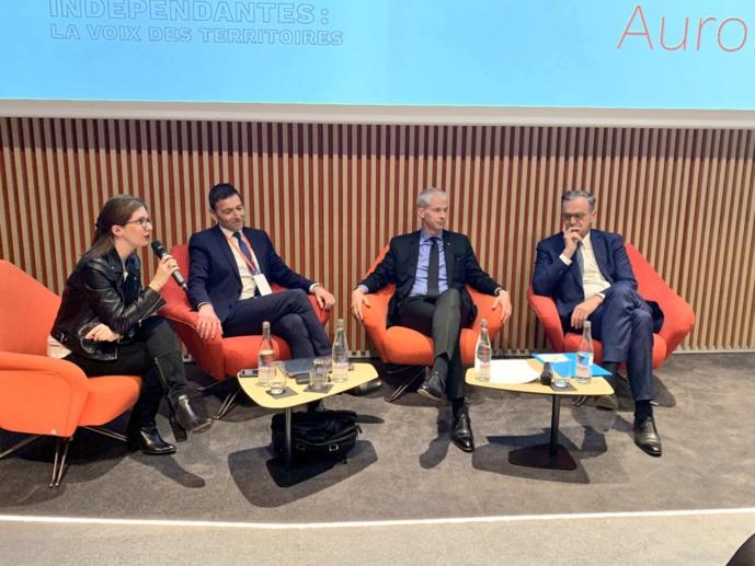 La Ministre de la Culture et le président du CSA lors de l'Assemblée Générale du SIRTI en avril 2018 à Paris.
