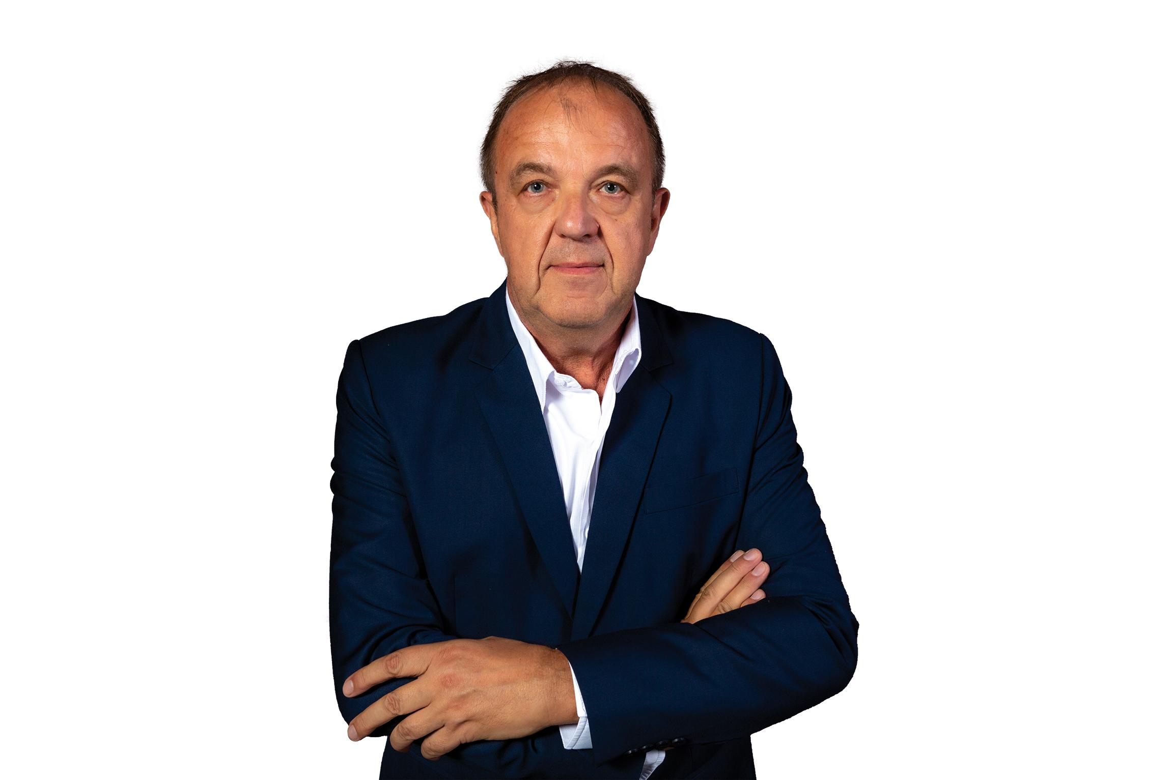 Agnain Martin est le président du dynamique Groupe Tertio. Il est par ailleurs un des administrateurs des Indés Radios, groupement de 131 radios indépendantes.