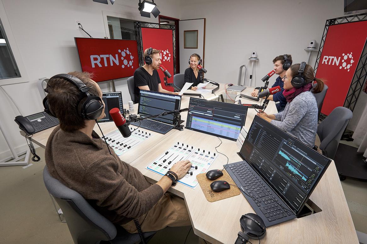 En 2019, les studios de RTN et RFJ ont été rénovés pour intégrer la solution StudioTalk (BCE) et entrer dans l'ère de la radio filmée. © RTN Damien Carnal