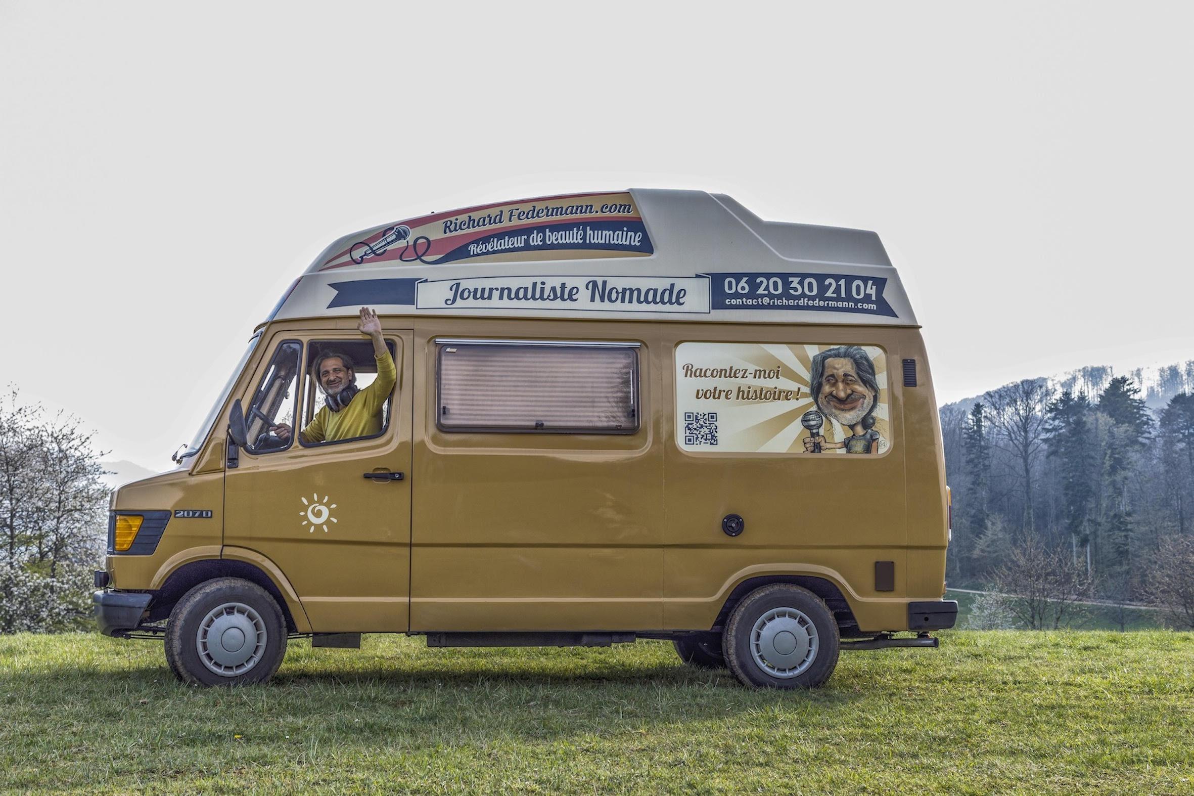 À bord de son camion radio, Richard Federmann sillonne la France. © D.R.
