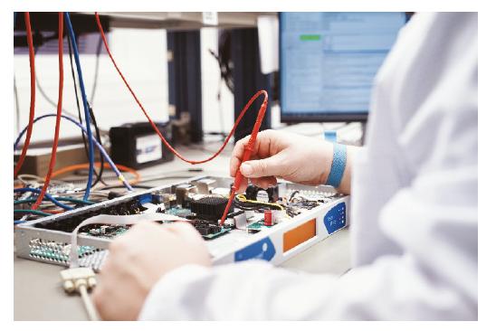Tous les appareils fabriqués par 2wcom subissent un test approfondi de qualité avant la livraison. © 2wcom Systems GmbH