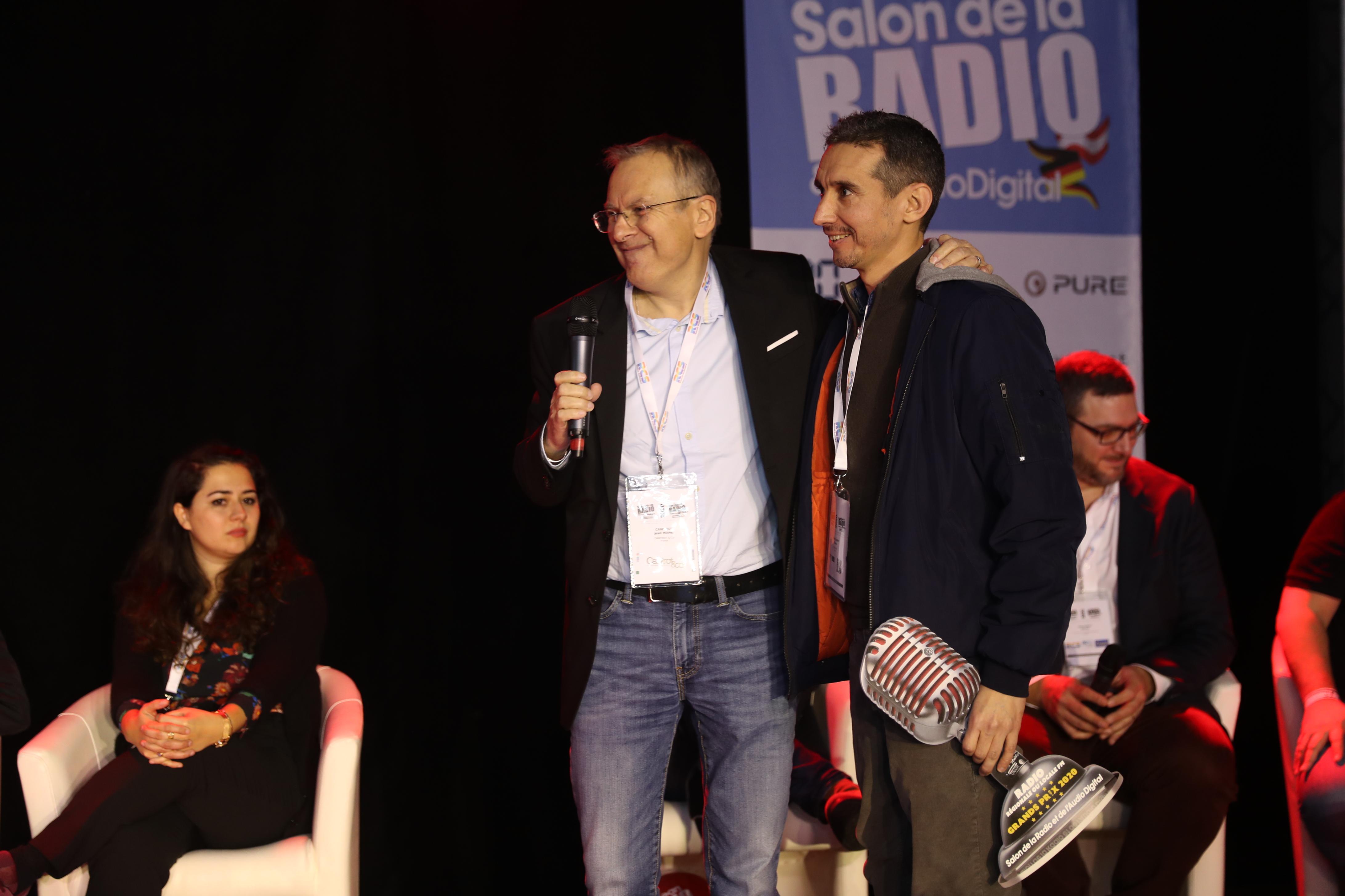 Face à Euradio et à RCI Antilles, c'est Delta FM qui a été récompensée. Gilles Sénicourt et son équipe ont réalisé la plus forte audience de France (30.8% en Audience Cumulée sur la zone Dunkerque.