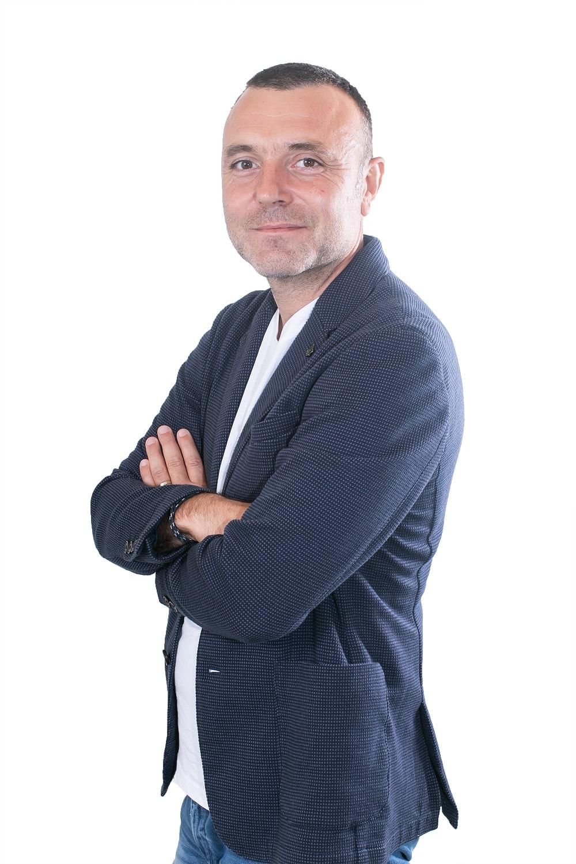 """À Totem, David Martin présente chaque jour """"Martin Bonheur"""". Il est aussi le directeur des programmes et de l'antenne"""