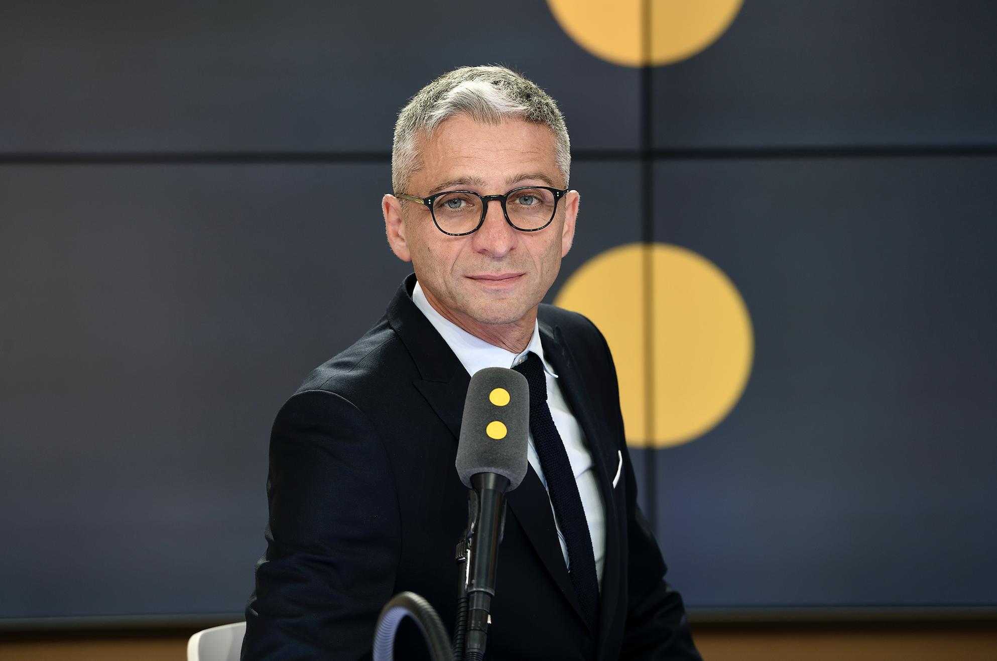 """""""franceinfo, durant cet épisode, est restée éminemment connectée sur le contexte politique"""" explique Jean-François Achilli © Christophe Abramowitz"""