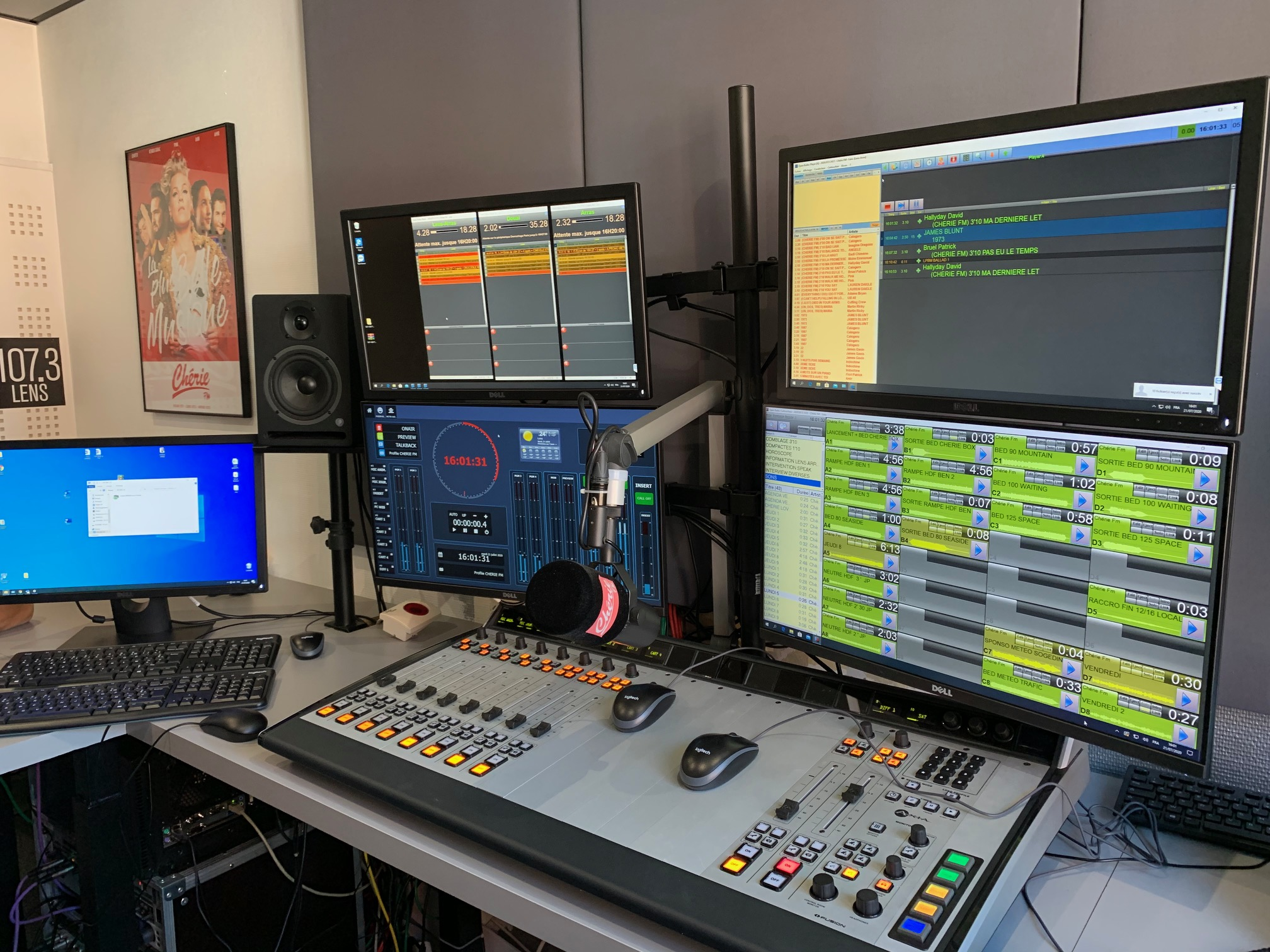Au départ de Lens, cette station locale Chérie FM diffuse ses programmes  sur les bassins de population de Lens, d'Arras et de Douai.