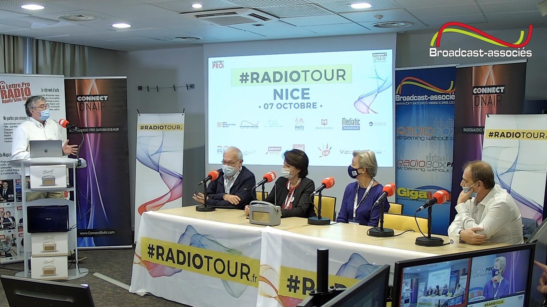 De gauche à droite : Pierre Potin (président de Mosaïque FM), Agnès Luque (directrice de RCF Méditerranée), Évelyne Tonelli (présidente de Radio Ethic), et Thierry Bordes (directeur des programmes de Fréquence Mistral)
