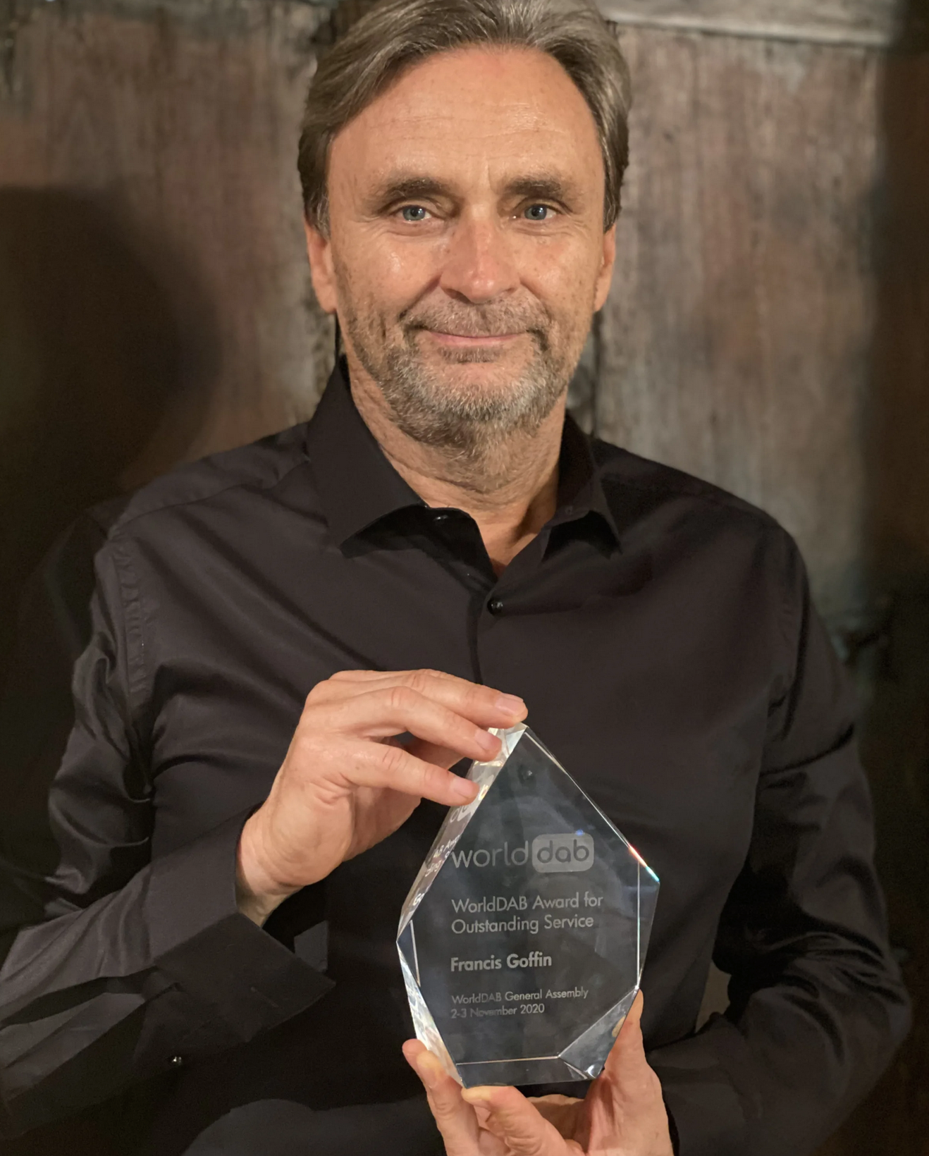 """Francis Goffin reçoit le """"WorldDAB Award for Outstanding Service"""""""