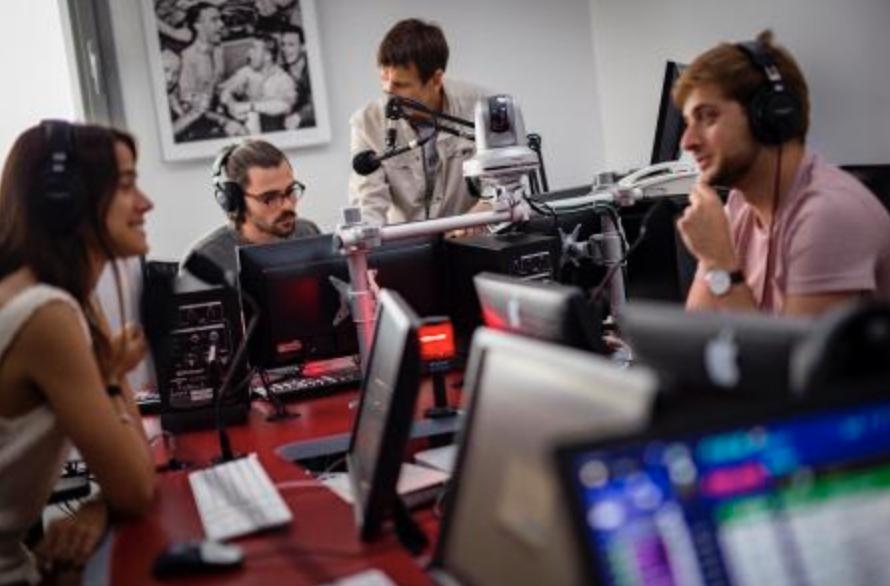 L'INA crée le 4 décembre, une radio éphémère pour fêter les 10 ans de son Certificat de qualification professionnelle Animateur radio