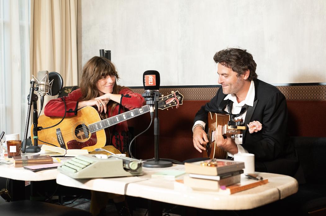 Lou Doillon anime Lou et moi le dimanche soir sur la radio pop-rock du groupe M6. © Silvère Gérard - Agence 1827 - RTL.