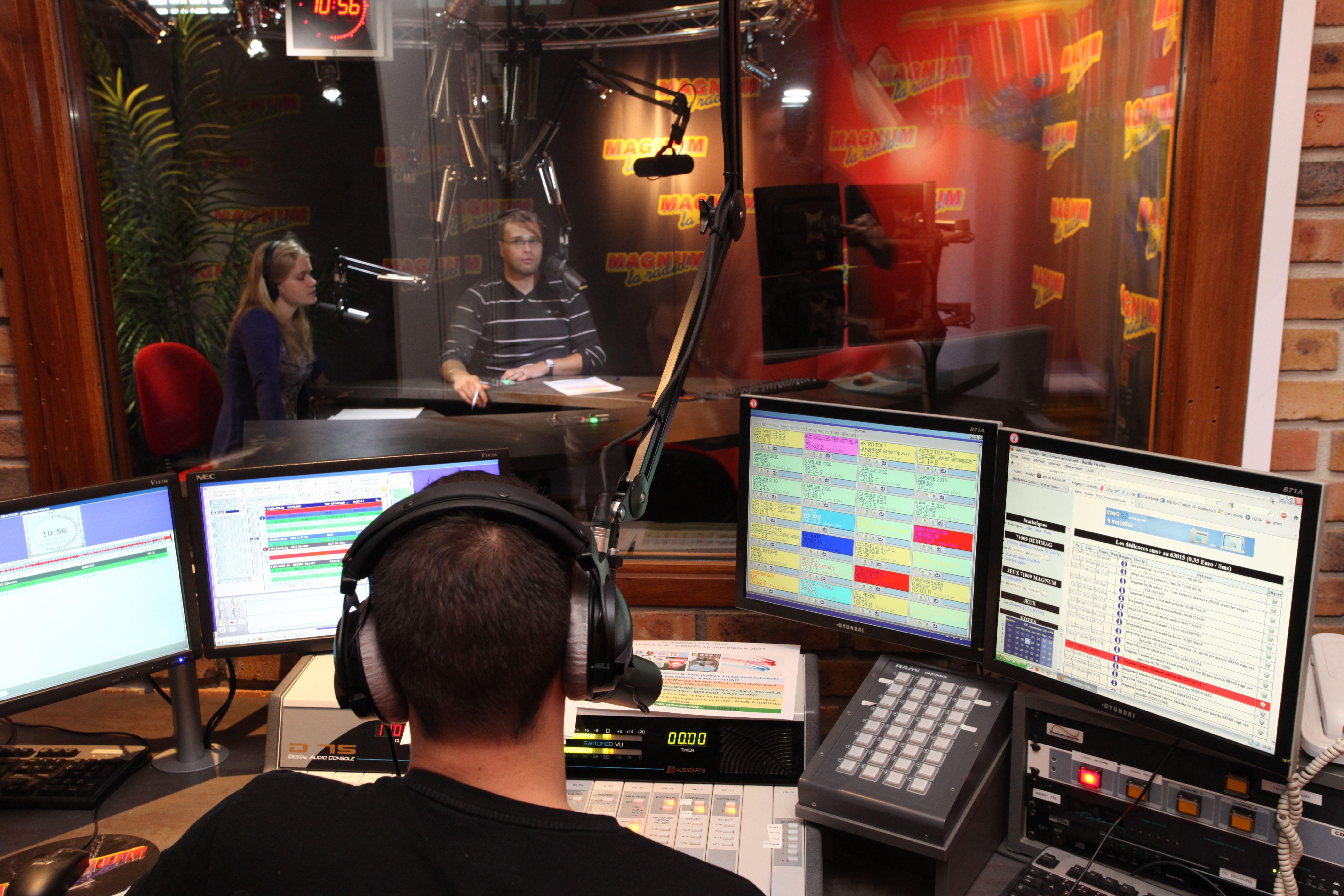 Au cœur des studios de Magnum La Radio. ® Magnum La Radio.