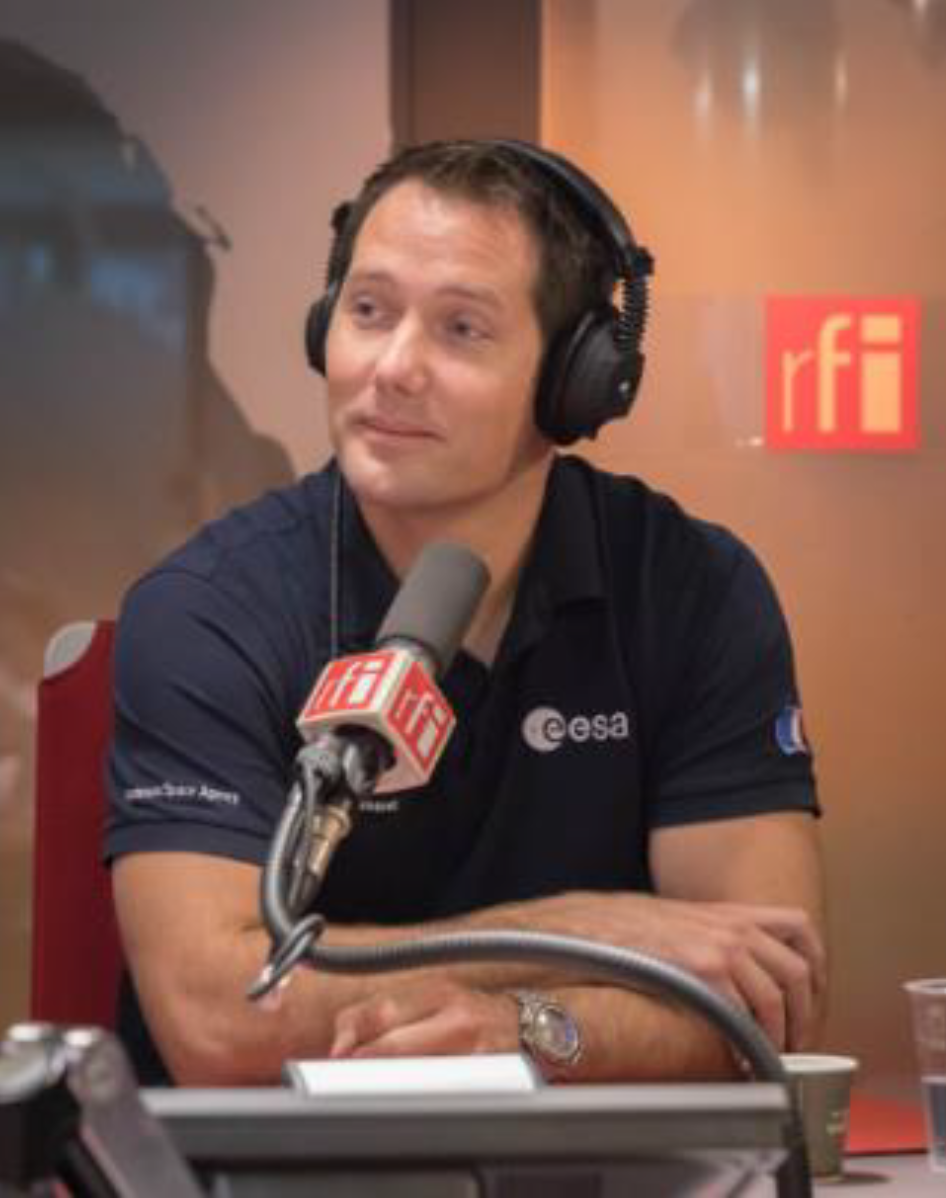 Tout au long de son voyage, Thomas Pesquet partagera sur RFI et France 24 son quotidien à bord de l'ISS à travers des vidéos régulièrement publiées sur les sites et les réseaux sociaux des deux médias internationaux.