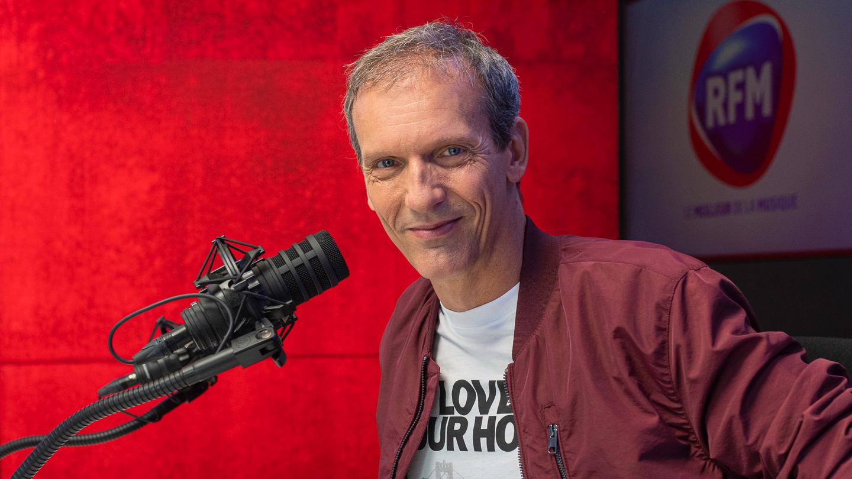 Pat Angeli, à la tête chaque week-end dès 22h de RFM Night Fever et chaque jour du 16-20 en coanimation avec Marie-Pierre Schembri. © RFM.