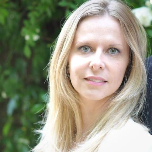 Depuis huit ans à Rodez, Élodie Viala est conseillère en communication chez Oxymédia, la régie publicitaire de Radio Totem.