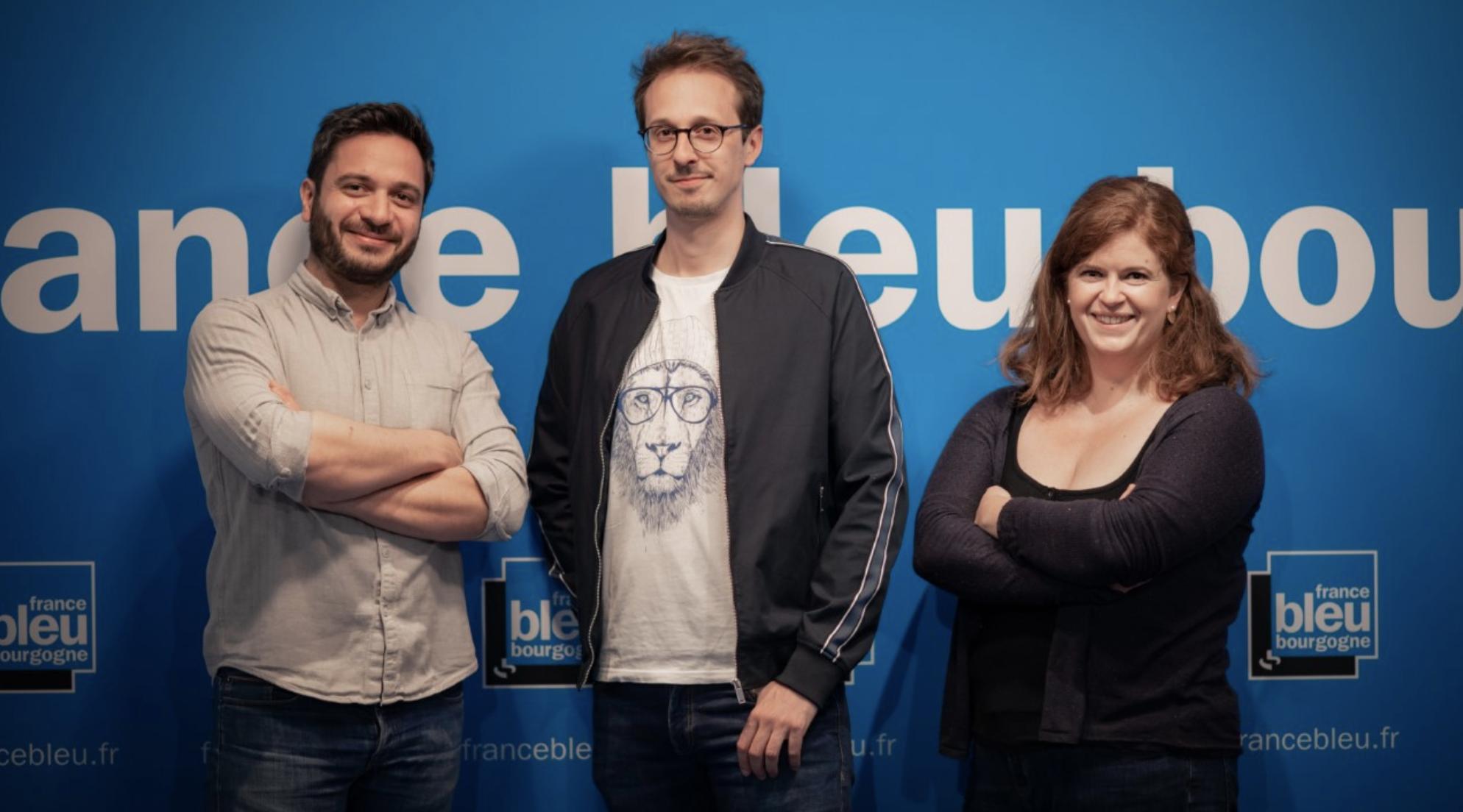L'équipe de de France Bleu Bourgogne Matin : Arnaud Racape (journaliste), Cyril Hinaut (animateur) et Anne Pinczon du Sel (journaliste) © Laetitia Devaux
