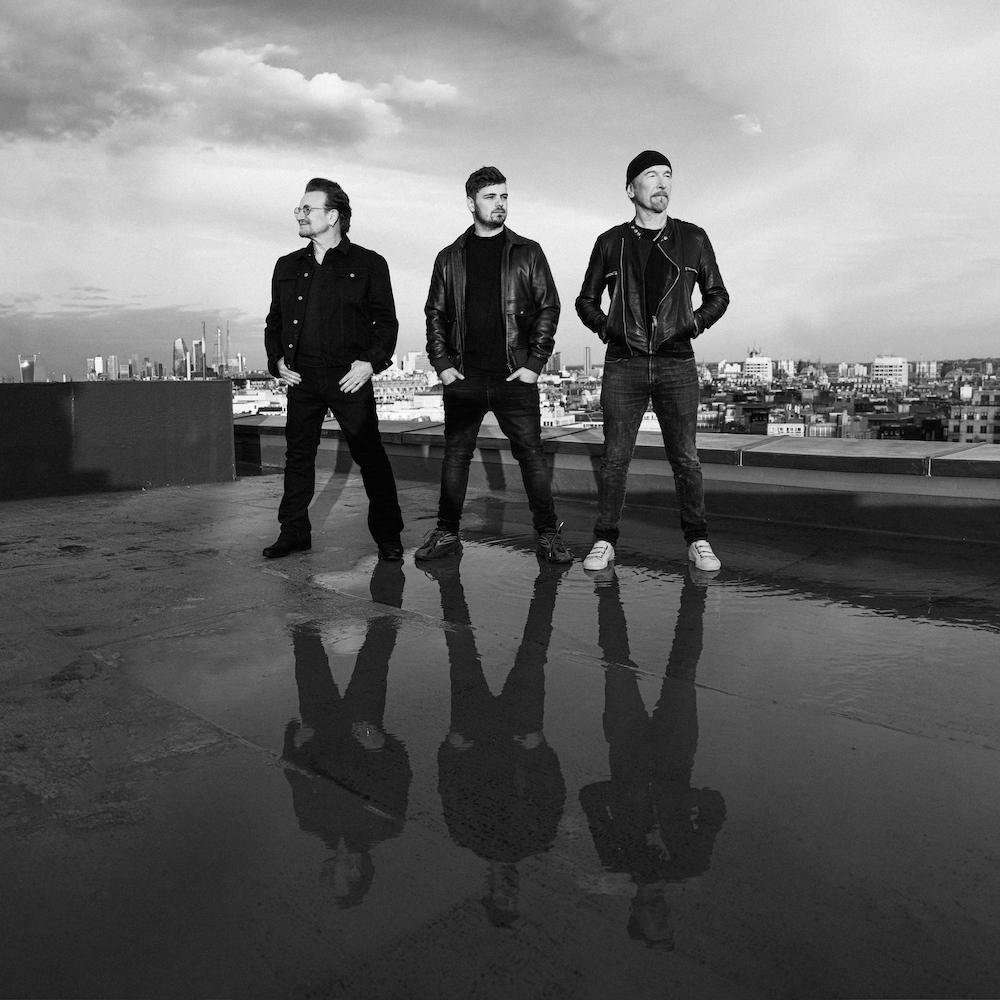 """Le nouveau single de Martin Garrix avec Bono et The Edge s'intitule """"We are the people"""". C'est la chanson officielle de l'UEFA Euro 2020. Alors forcément, elle devrait être matraquée pendant quelques jours..."""