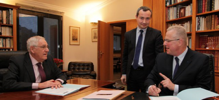 La signature du partenariat avec Jean-François Le Grand, président du CG50, Jean-Baptiste Bancaud, directeur délégué et Benoit Leclerc, directeur général de Tendance Ouest