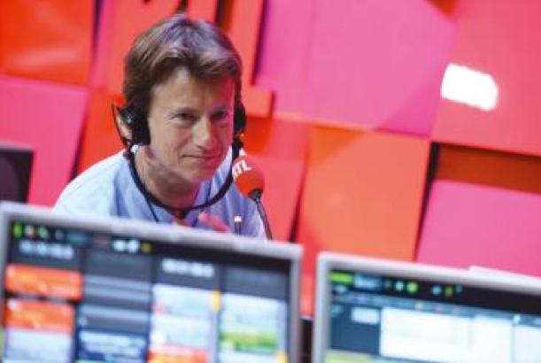 """""""Stop ou Encore"""" : les auditeurs font la programmation et en composant le 3210, ils choisissent de poursuivre ou d'interrompre l'écoute de trois titres successifs d'un artiste"""