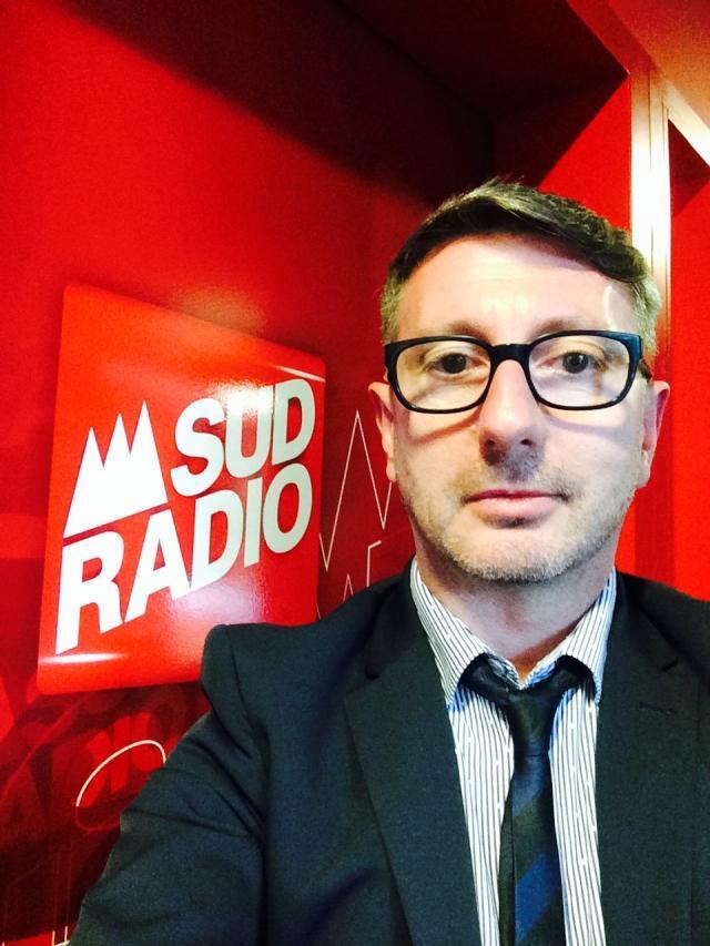 """Christophe Bordet ne veut pas faire de Sud Radio une autre """"braillarde"""", mais au contraire une radio qui prend le temps d'explorer l'actualité pour lui donner du sens."""