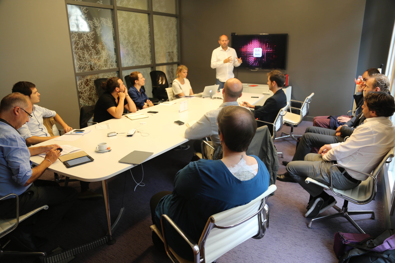 Hier matin, Jean-Eric Valli a présenté à la presse les évolutions des offres digitales des Indés Radios pour gagner de l'audience supplémentaire