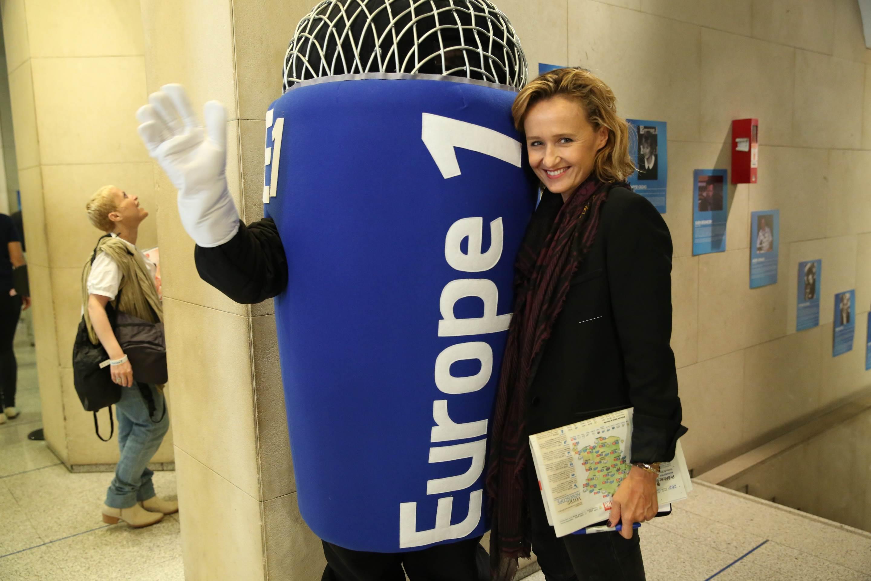 Caroline Roux et le micro d'Europe 1