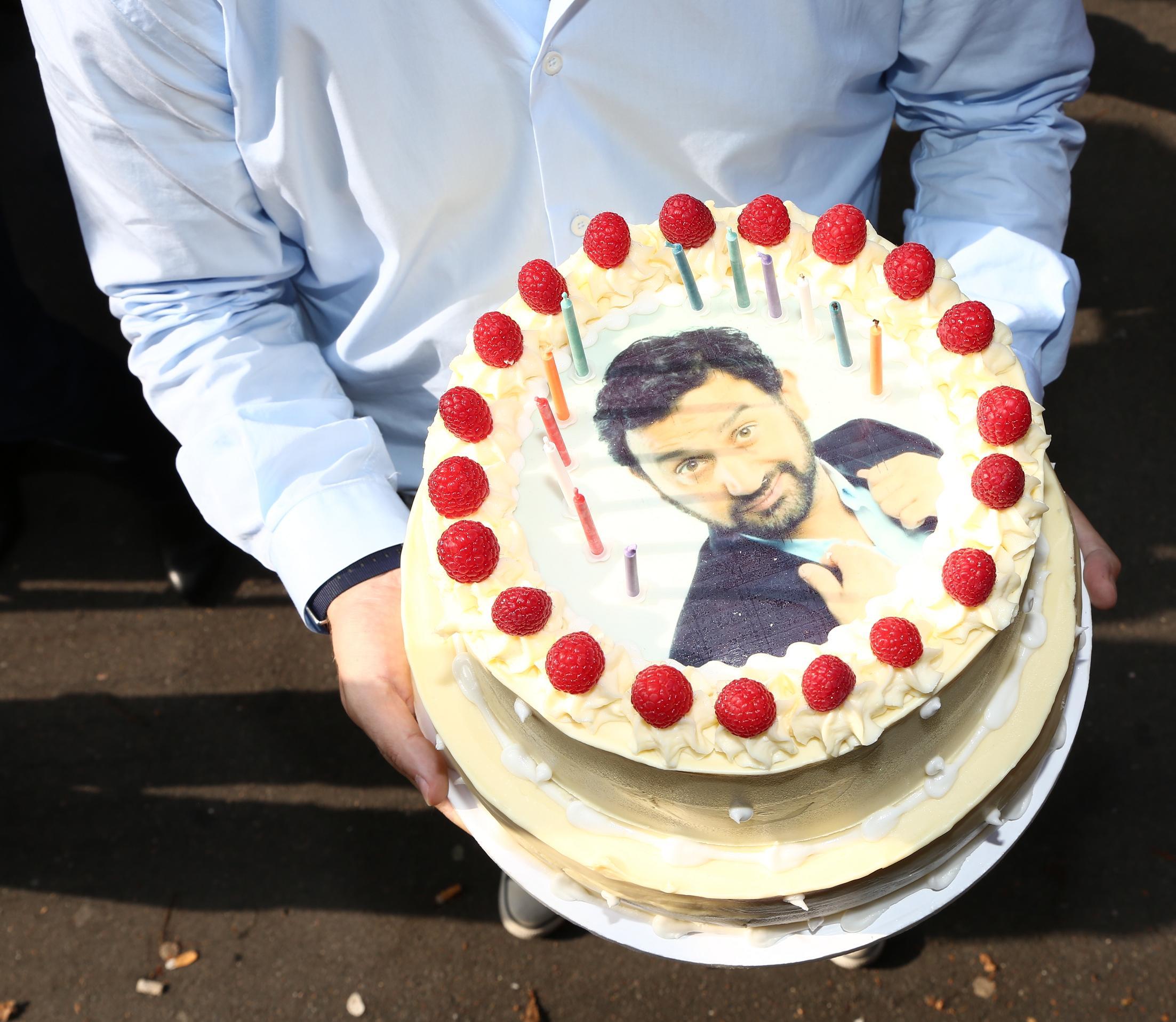 Le gâteau d'anniversaire de Cyril Hanouna  © Wladimir Simic CAPA - Europe 1