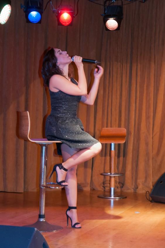 Maude en Concert Privé pour les auditeurs de Kiss FM réunis sur un bateau de la SNCM