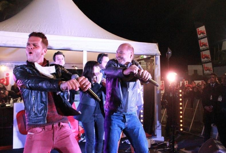 Cauet, l'an passé, avec Keen'V aux NRJ Music Awards © BeAware