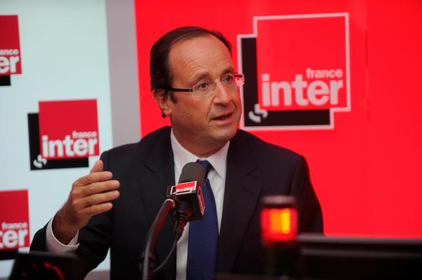 """François Hollande au micro de France Inter : """"Je vous écoute régulièrement"""" © Christophe Abramowitz Radio France"""