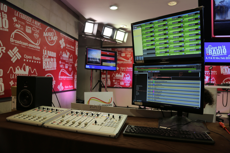 Samedi à 20h : La Radio du Salon de la Radio est prête à fonctionner grâce au savoir-faire des équipes © Serge Surpin