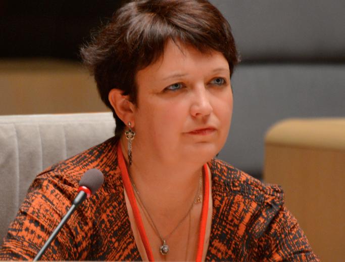 Michelle Lestelle est aussi membre titulaire de la Commission du Fonds de Soutien à l'Expression Radiophonique (FSER)