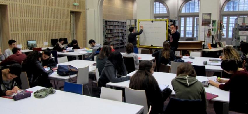 France Culture a prévu de donner la parole à des élèves et professeurs de lycée, à l'occasion de la Semaine de la presse et des médias dans l'école © Radio France