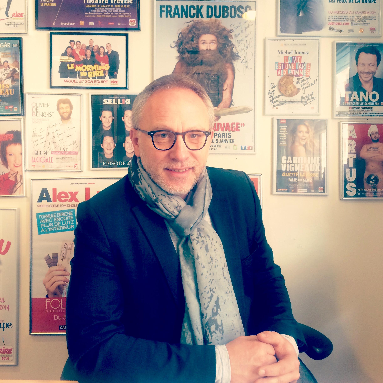 Laurent Thibault, directeur d'antenne de Rire et Chansons. Cet homme est une machine à blagues.
