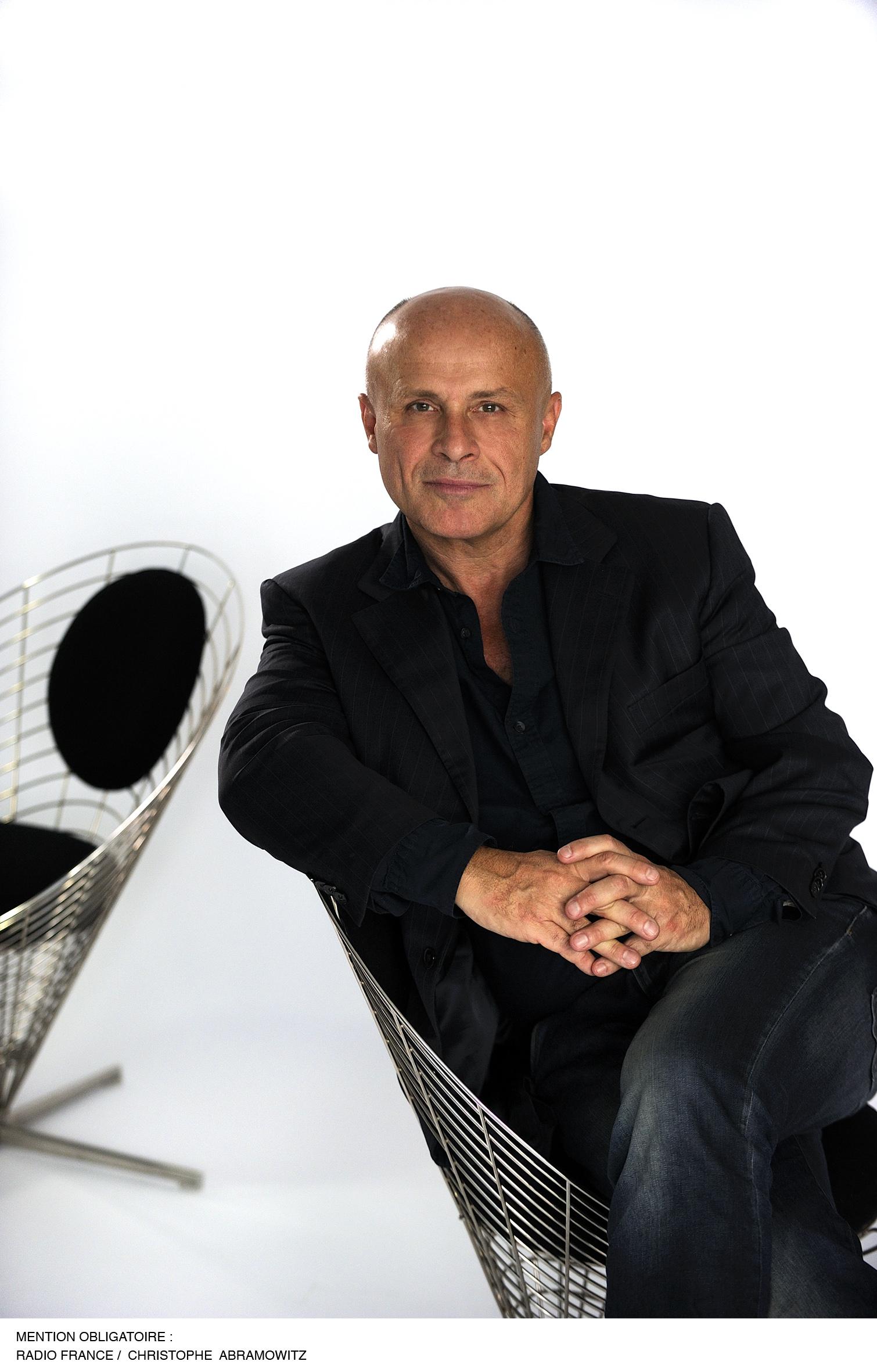 Olivier Poivre d'Arvor veut faire une radio plus proche des jeunes, plus proche des mouvements de l'époque.