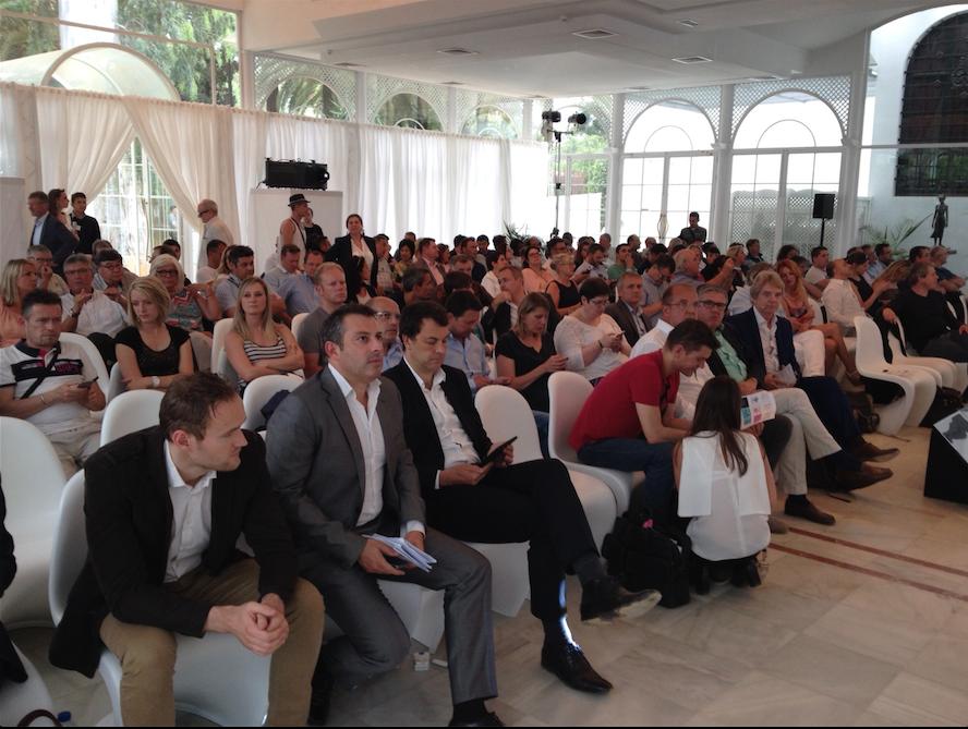 Cet après-midi à l'Hôtel Alfonso XIII à Séville