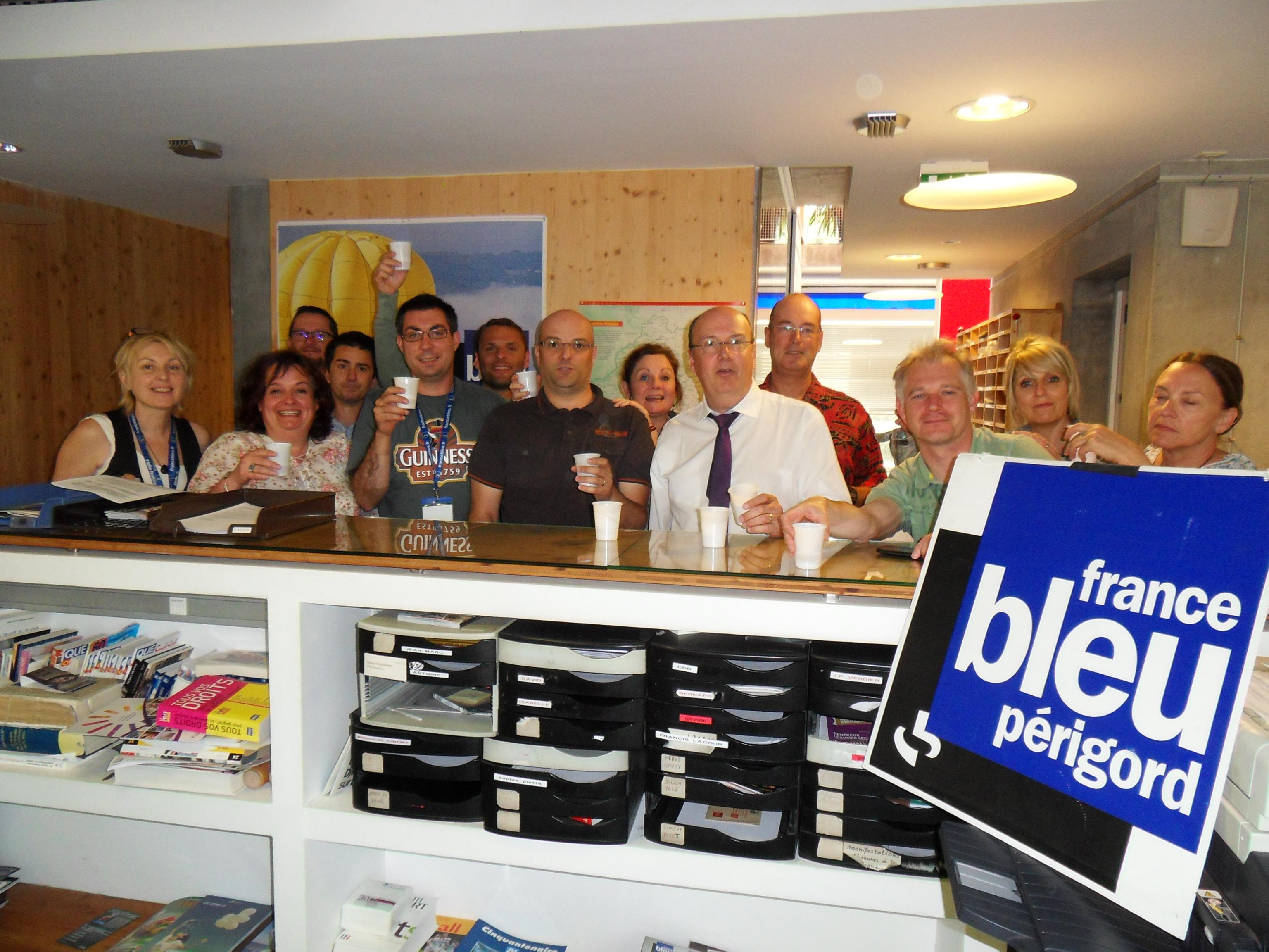 Le directeur Jean-Dominique Warlop entouré de la sympathique équipe de France Bleu Périgord a dévoilé hier matin les temps forts de la grille d'été