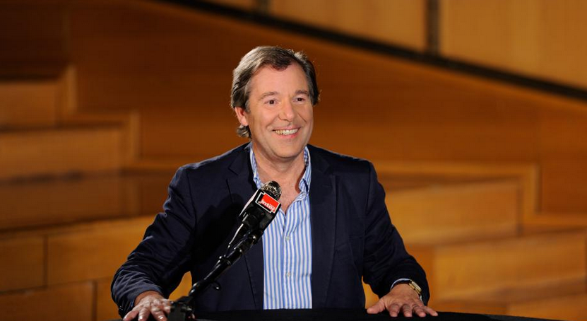 Jérôme Garcin présente Le Masque et la Plume chaque dimanche soir sur France Inter © Christophe Abramowitz