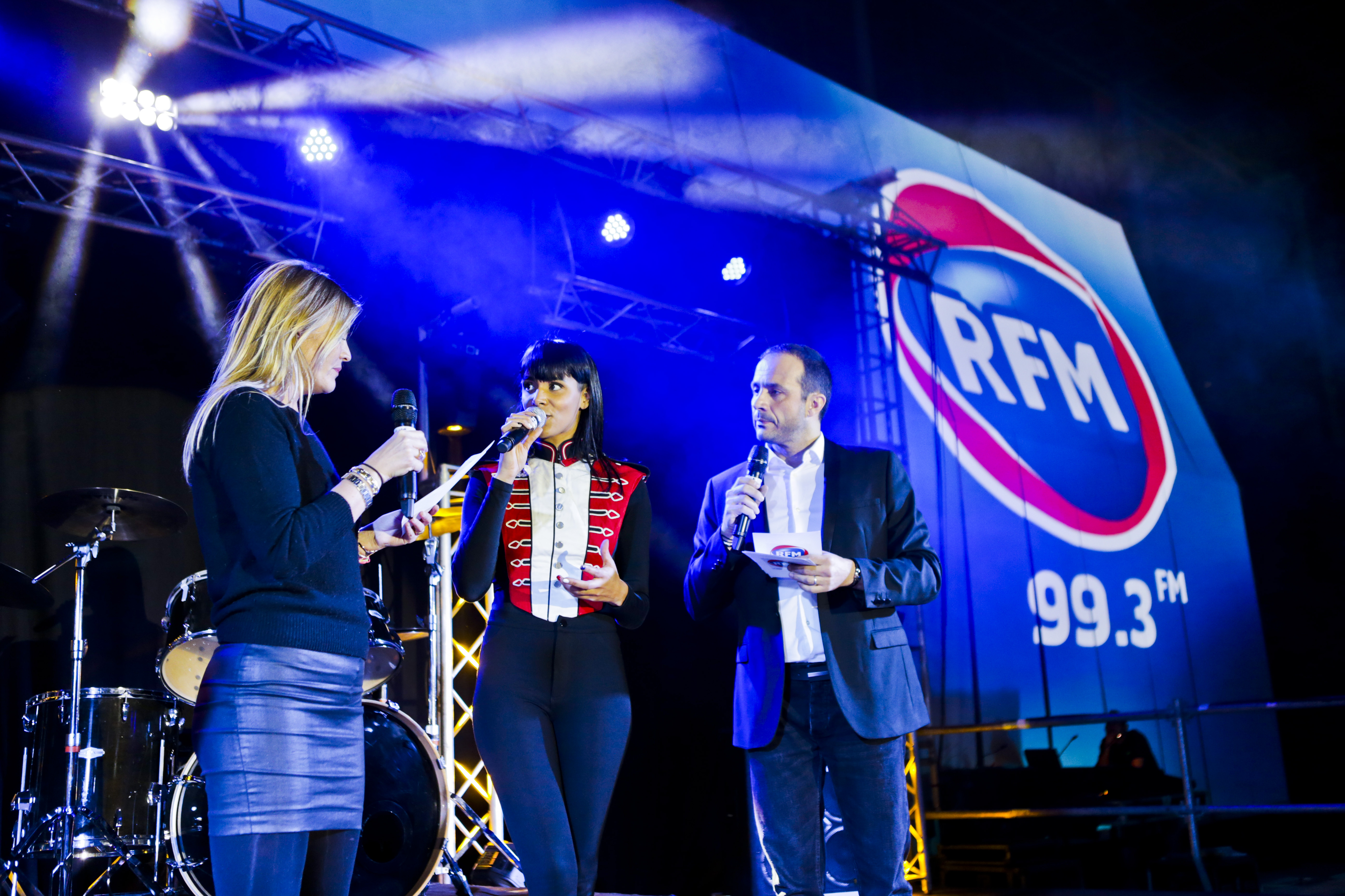 Justine Fraioli et Vincent Richard ont accueilli les artistes présents à ce RFM Music Live de Montpellier © Guilhem Canal