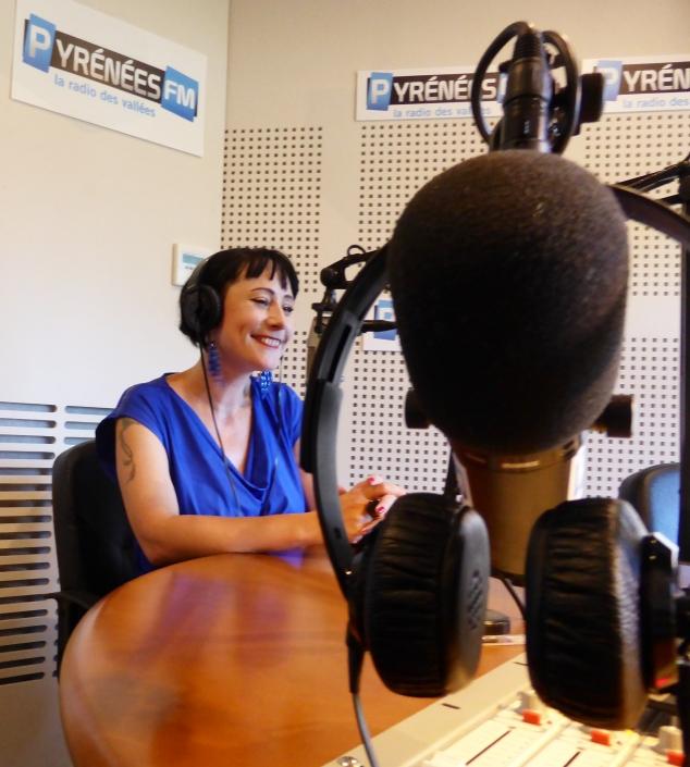 La voyante Laurène Baldassara officie tous les lundis sur Pyrénées-FM.