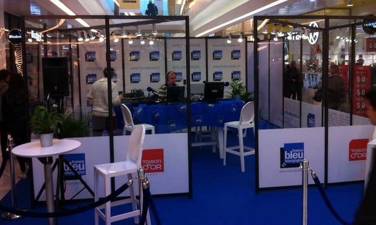 """Du 6 au 9 janvier derniers, France Bleu Bourgogne avait invité ses auditeurs à des """"Ateliers Radio"""" à la Toison d'Or de Dijon © Radio France"""