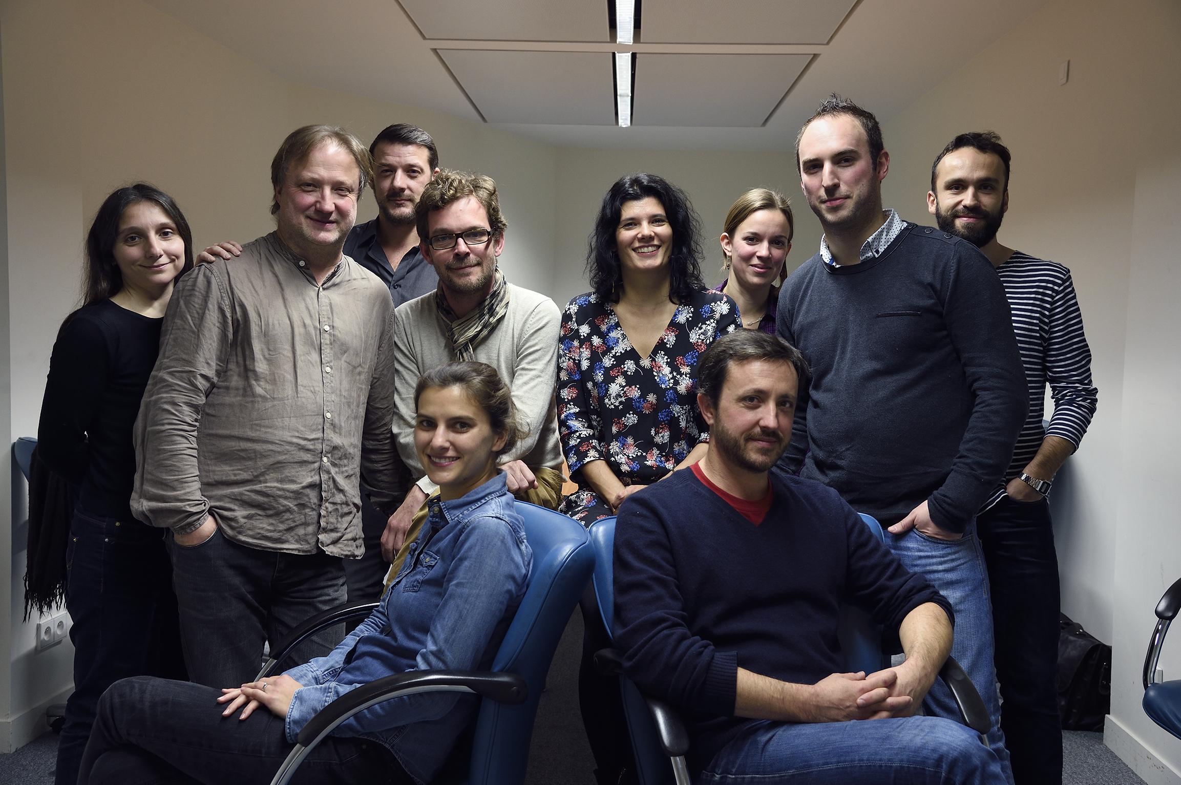 Estelle Cognacq (au centre) et les journalistes de l'Agence © Radio France / Christophe Aabramowitz