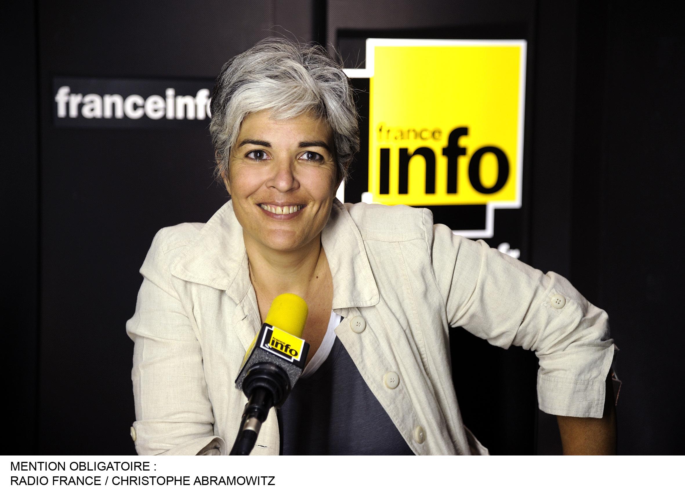 Fabienne Sintes présente la matinale de France Info / Photo RF Christophe Abramowitz