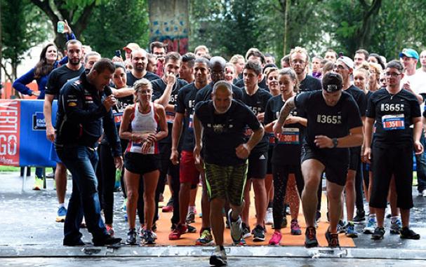 """La première édition de la course Vertigo à la Maison de la radio lors de la journée """"Radio France fête le sport"""" en 2015 © Christophe Abramowitz"""