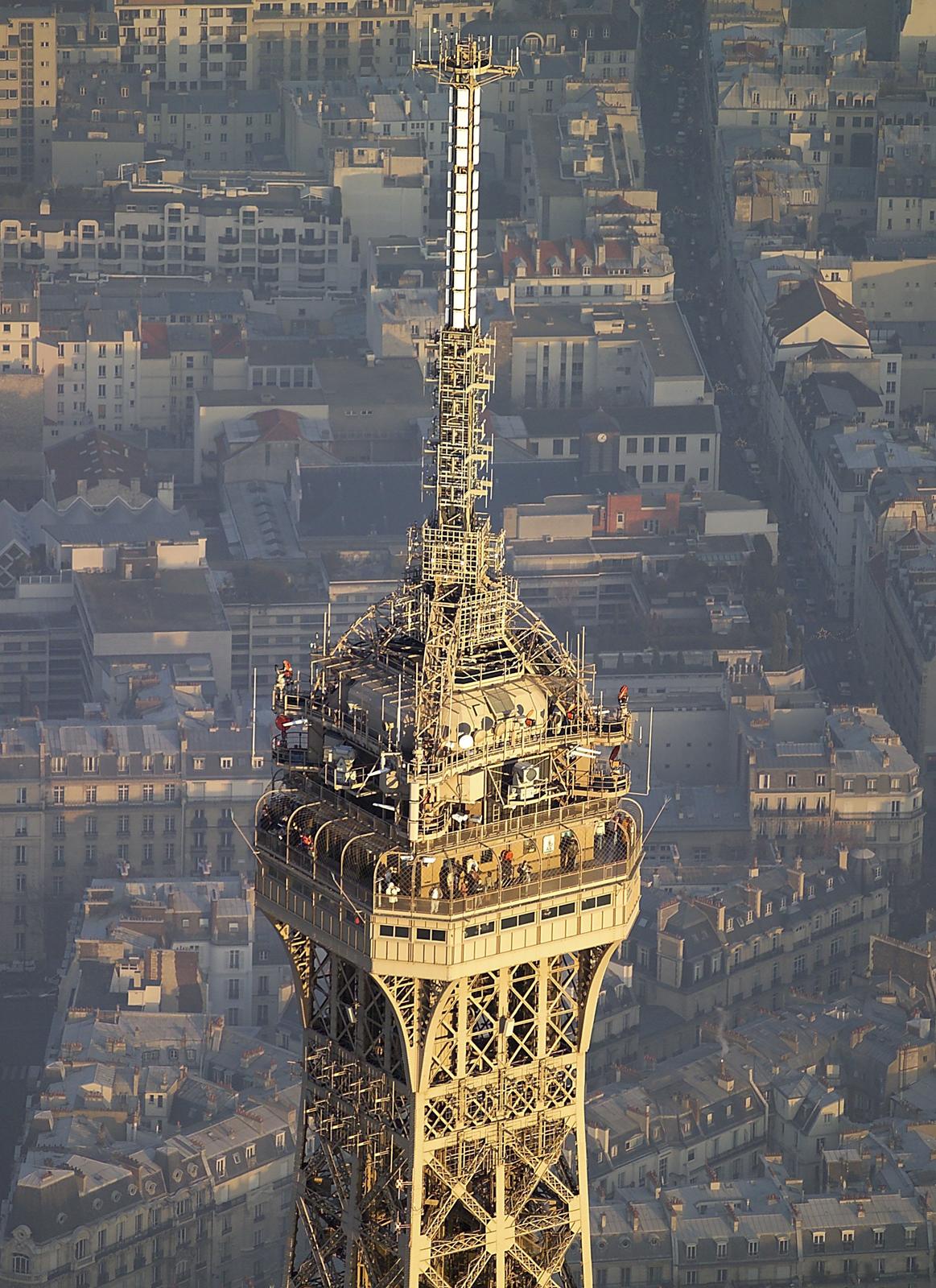 Le sommet de la Tour et ses antennes © TDF
