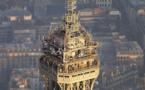 Des travaux au sommet de la Tour Eiffel