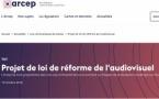 """l'Arcep relève ainsi """"que la multiplicité des options technologiques de diffusion soulève la question de l'universalité d'accès des Français aux contenus""""."""