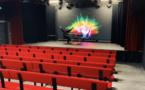La société WorldCast installe un théâtre dans son usine