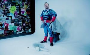 Radio Contact embauche un super héros