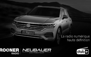 Salon de la Radio : Crooner Radio à bord d'un Touareg SUV